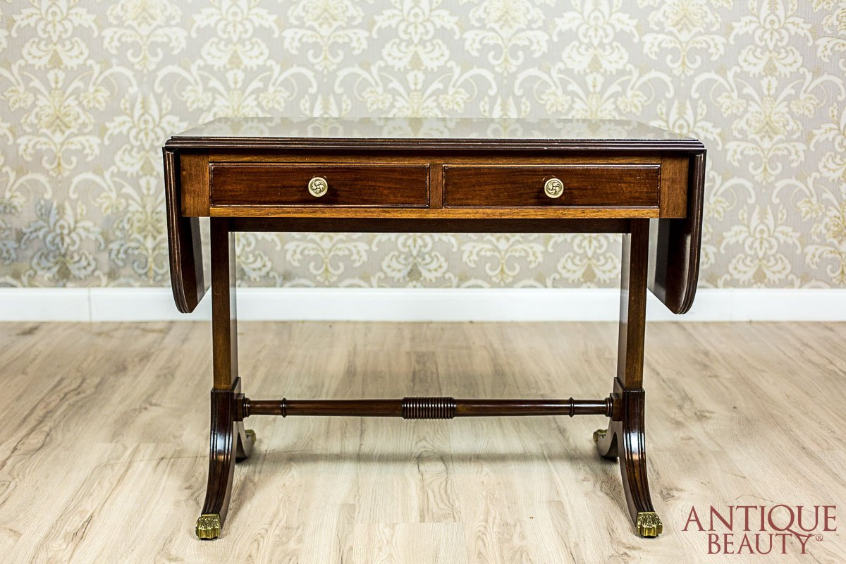 Antique Beauty - English Table in the