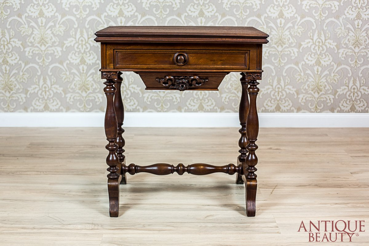 Antique Beauty Sewing Table