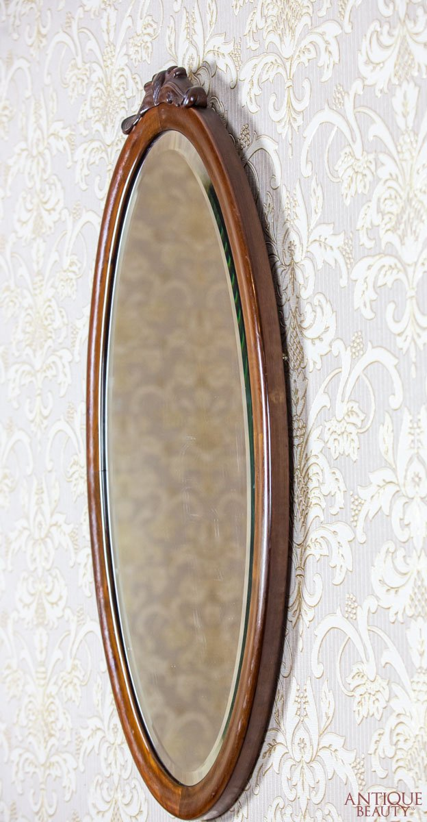 Antique Beauty Oval Mirror In A Louis Philippe Frame
