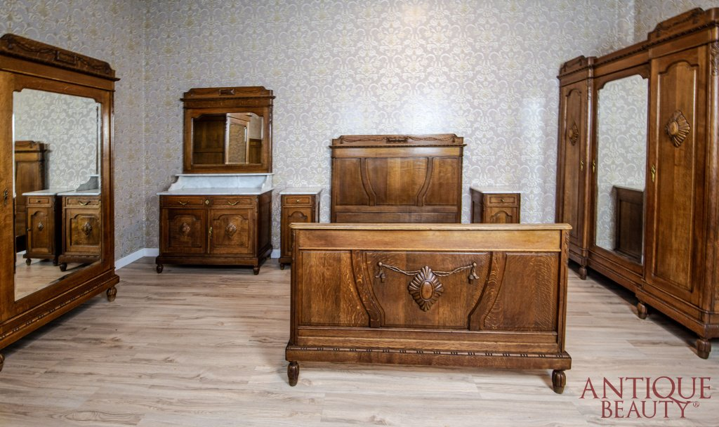 Oak Bedroom Set from the Interwar Period