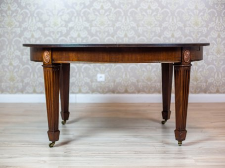 Dining Table with an Extendable Top
