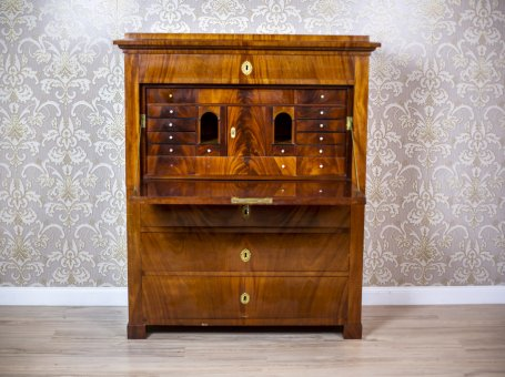 19th-Century Karl Johan Secretary